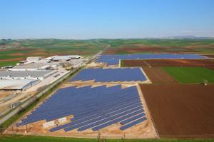 Yingli Solar - örnek proje - arazi 10MW - Farsala, Greece